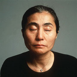 Annie Leibovitz - Yoko Ono 1981